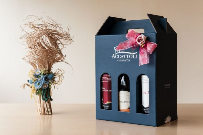 Packaging in cardboard boxes (cartons) vini accattoli